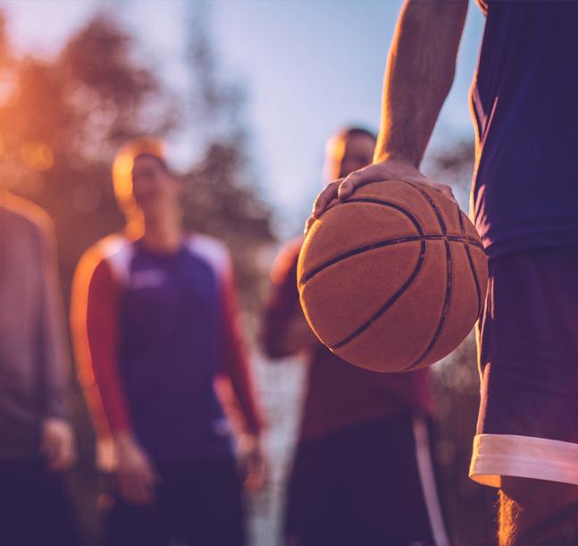 ¿Qué deporte practicar con mis amigos al aire libre?